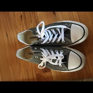Gray Converse!!! Almost like NEW!!!!